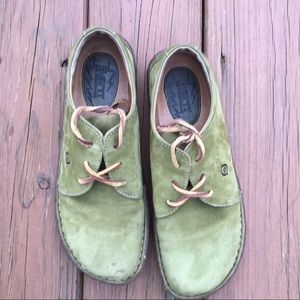 Born Sequoia nubuck green leather shoes size 9.5